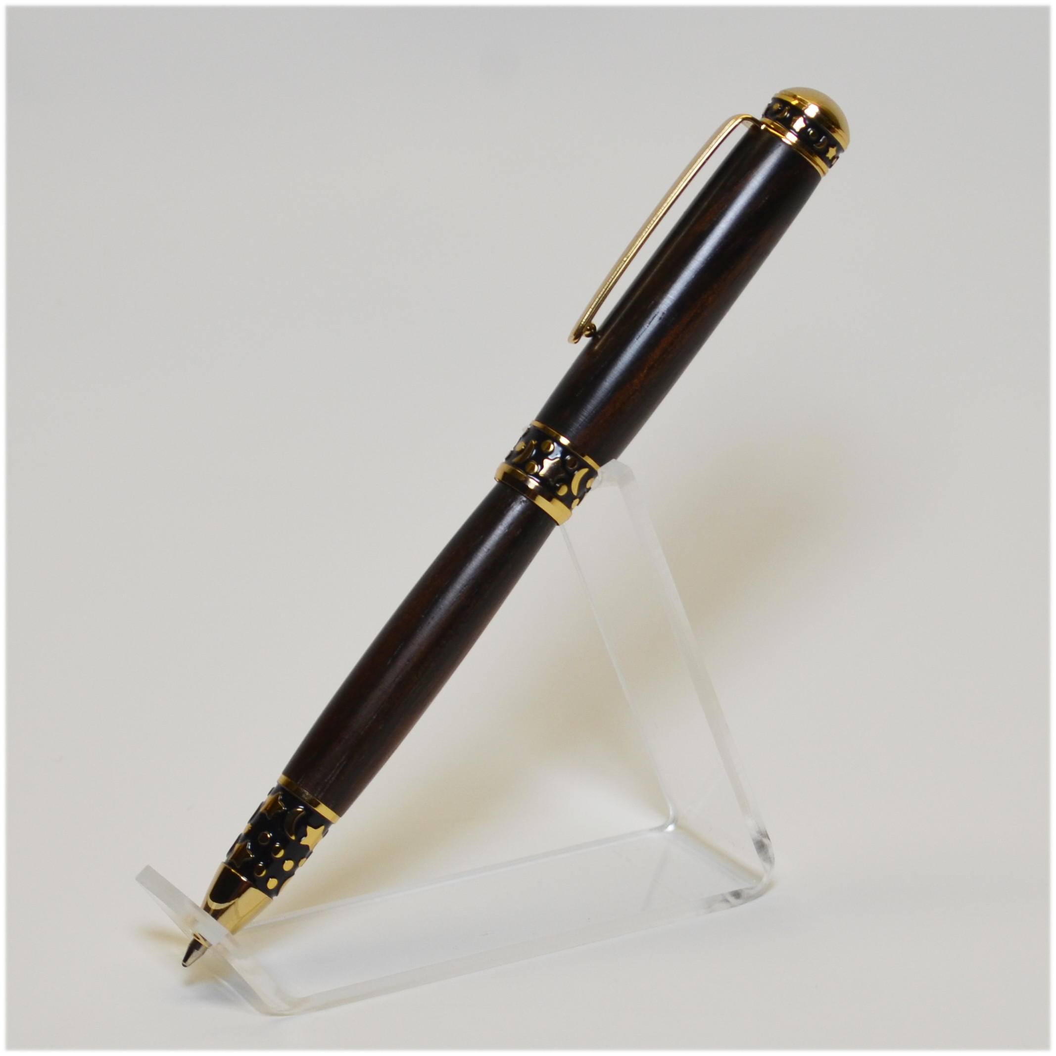 Sculpted Rosewood Pen